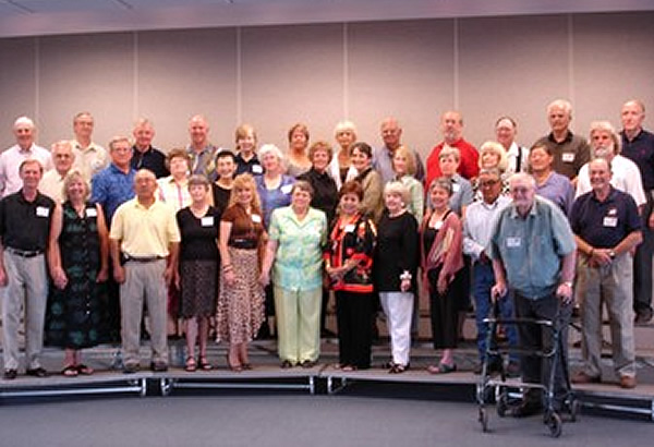 alumni group photo